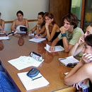 Reunión de guionistas de producciones audiovisuales