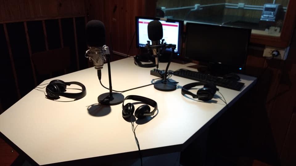 Nuevo Mobiliario en el Estudio de Radio